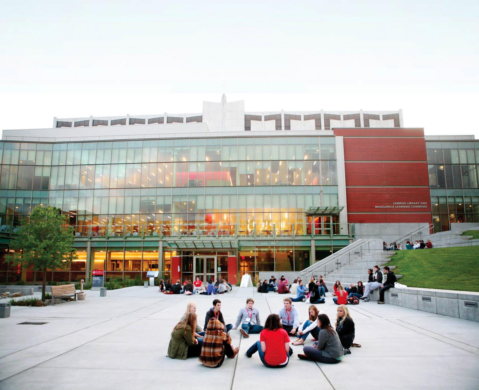 Estudiantes podrán terminar su carrera y un posgrado en Seattle