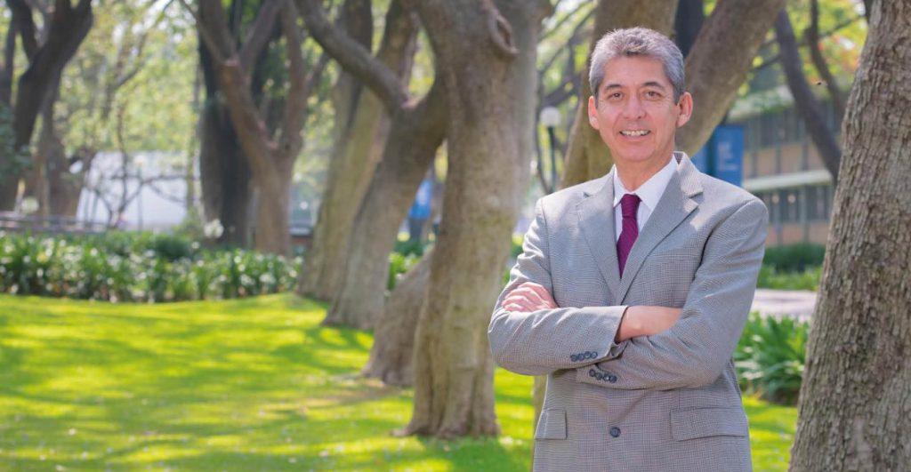 Para conciliar el sueño Everardo Camacho aconseja cenar ligero y hacer ejercicio, pero no cerca de la hora de dormir.