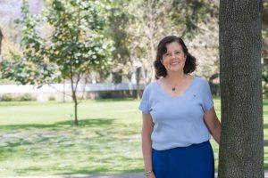 Isabel Valdez es la encargada del programa de Verano Internacional.